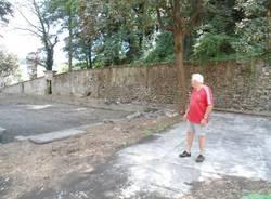 I volontari di Castiglione sistemano il parco (inserita in galleria)