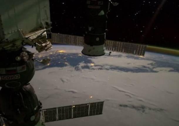 La terra vista dalla Nasa... di notte