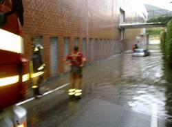 Vigile del fuoco salva un'anziana dall'allagamento (inserita in galleria)