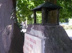 Atto vandalico contro il monumento degli Alpini (inserita in galleria)