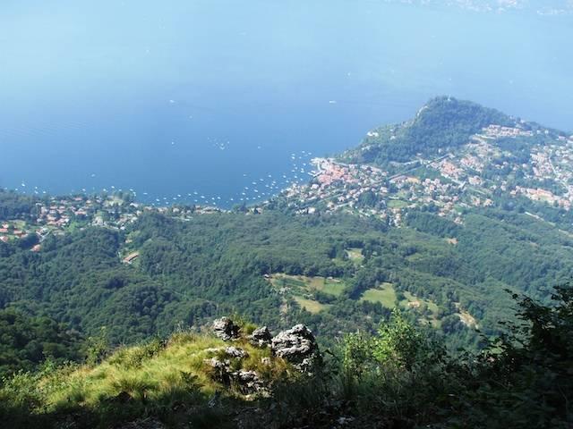 Ferragosto dal poggiolo dell'Alpe Cuvignone