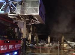 Incendio impresa a Malnate (inserita in galleria)
