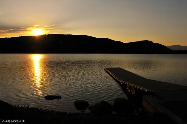 Tramonto sul lago Dorato