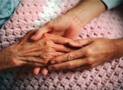 malato di alzheimer anziano