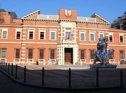 tribunale con statua varese