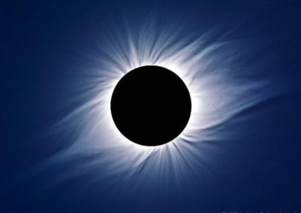 Eclissi solare, segui la diretta dalle 19.30