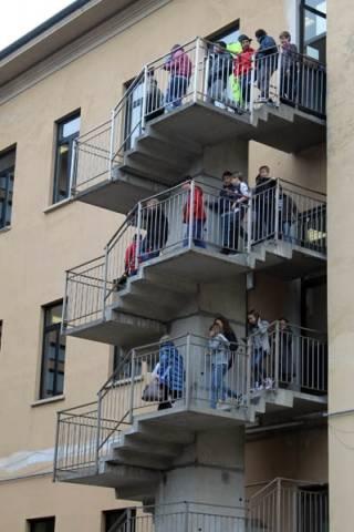 Esercitazione anti-terremoto alla scuola Tommaseo (inserita in galleria)