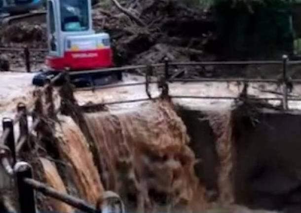 Le immagini dell'alluvione che sta colpendo la Toscana