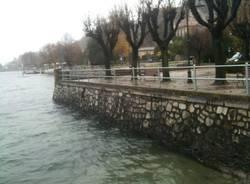 Maltempo, cresce il livello del lago (inserita in galleria)