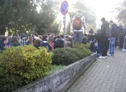 protesta isis stein gavirate studenti sciopero