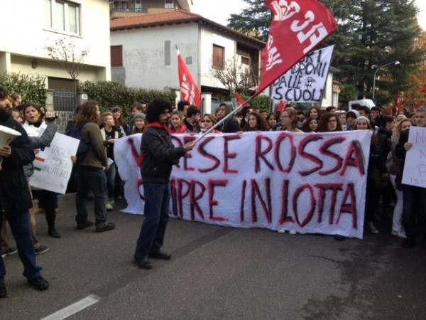 Protesta per le vie della città (inserita in galleria)