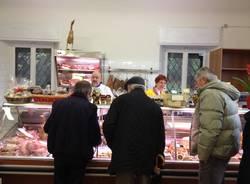 Riapre il negozio di alimentari a Schianno (inserita in galleria)