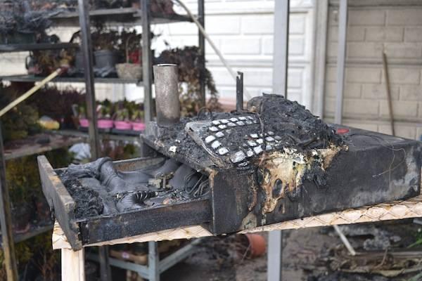 Chiosco di fiori in fiamme (inserita in galleria)