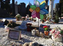 Il cimitero dei bambini mai nati a Busto (inserita in galleria)