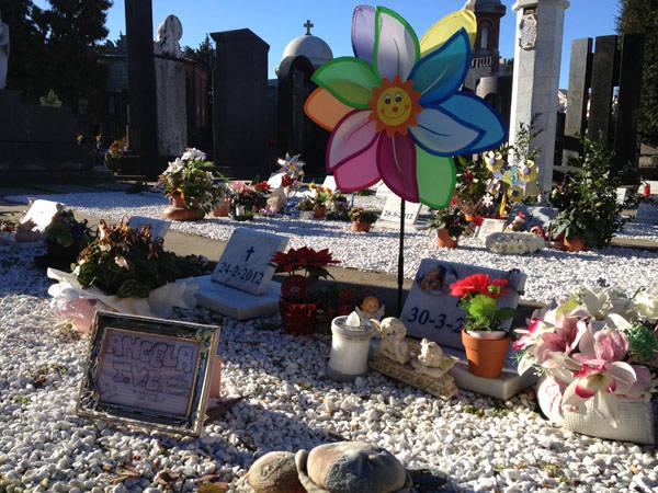 Il cimitero dei bambini mai nati a busto varesenews foto - Il giardino degli angeli ...