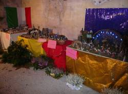 Il concorso di presepi nella chiesa sconsacrata (inserita in galleria)