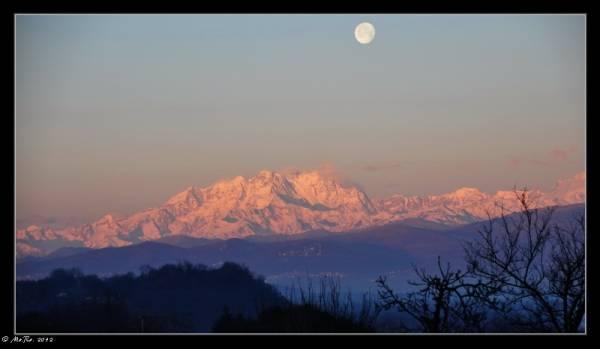 L'alba di questa mattina a Buguggiate (inserita in galleria)