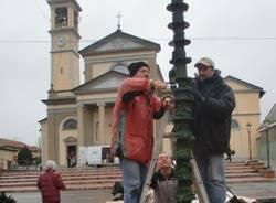 """""""L'Albero dei bambini"""" in piazza a Gerenzano (inserita in galleria)"""