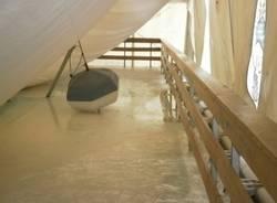 La neve fa crollare il tetto del palaghiaccio (inserita in galleria)