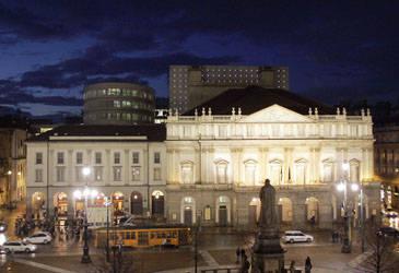 La prima alla Scala (inserita in galleria)