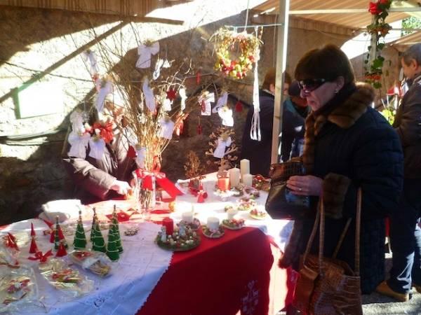 Natale tra le bancarelle di Casbeno (inserita in galleria)
