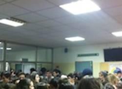 sciopero studenti sesto calende dalla chiesa per freddo