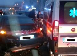 Scontro in autostrada, travolta anche l'ambulanza castronno dicembre 2012 (inserita in galleria)