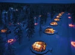 Svegliarsi con l'aurora boreale (inserita in galleria)
