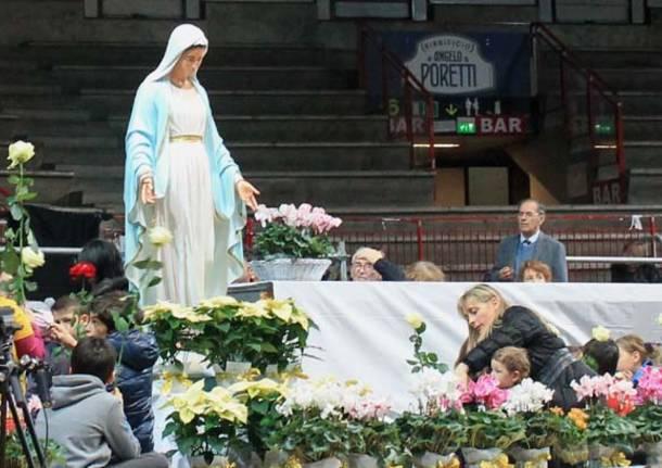 Varese abbraccia la Madonna di Medjugorje (inserita in galleria)