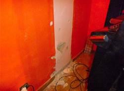 Colpo notturno nella sala slot (inserita in galleria)