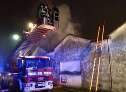 incendio falegnameria via veneto albizzate (per gallerie fotografiche)