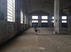 Dentro alla fabbrica dismessa (inserita in galleria)