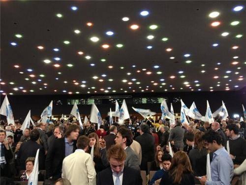 Il lunedì elettorale di Maroni (inserita in galleria)