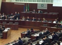 La prima seduta del consiglio regionale (inserita in galleria)