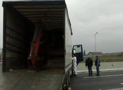 Assalto al portavalori in autostrada A9 (inserita in galleria)