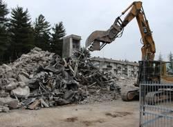 Demolite le vecchie case popolari diTradate (inserita in galleria)
