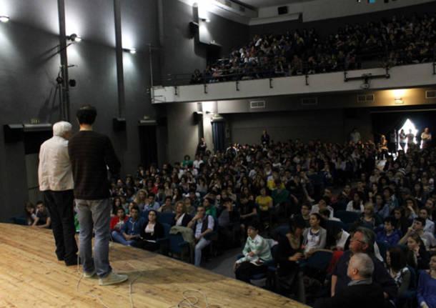 garrone studenti teatro manzoni baff 2013