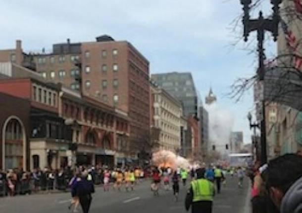 Maratona di Boston, la prima esplosione