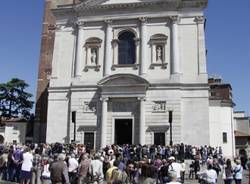 Ai funerali di Missoni (inserita in galleria)