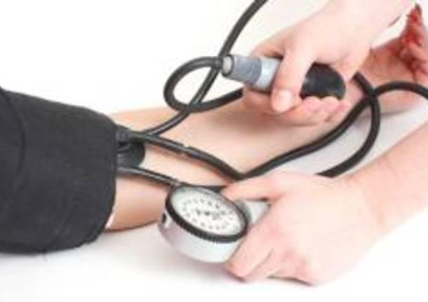 controllo pressione sanita medicina