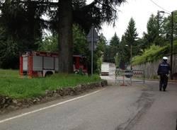 Il camion bloccato in via Mulini Grassi (inserita in galleria)