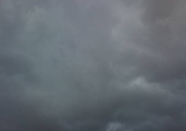 nuvoloso apertura