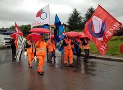 Protesta dei lavoratori del cantiere dell'Arcisate Stabio (inserita in galleria)