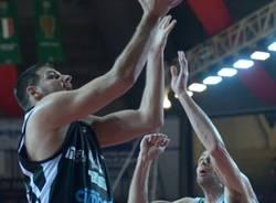 Semifinale gara1: Cimberio - Montepaschi 72-80 (inserita in galleria)