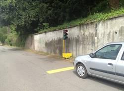 """Senso unico sulla strada """"scorciatoia"""" Oggiona-Cedrate (inserita in galleria)"""