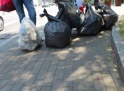 Altri sacchi di spazzatura a Villa Gianetti (inserita in galleria)