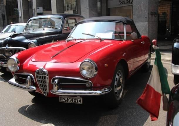 Ferrari e Alfa Romeo d'epoca in centro a Varese (inserita in galleria)