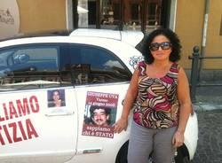 Lucia Uva, protesta in 500  (inserita in galleria)