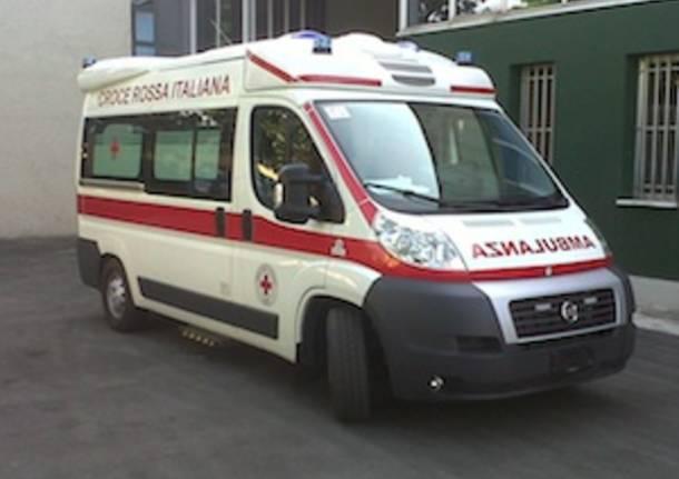 ambulanza luino foto