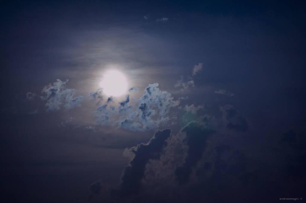 Guarda che luna...